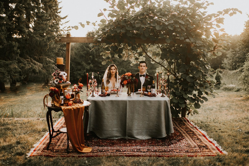 Halloween styled shoot, Halloween photography, Halloween bride, spooky bride, autumn wedding decor, Italian wedding decor, Italian wedding, Fall wedding, Fall wedding decor, Fall wedding design, Fall wedding inspiration