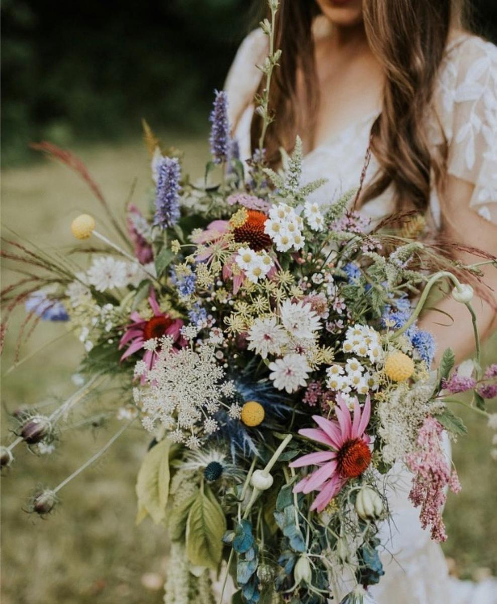 Florals by Fire and Blooms, Photo by Noelle Johnson