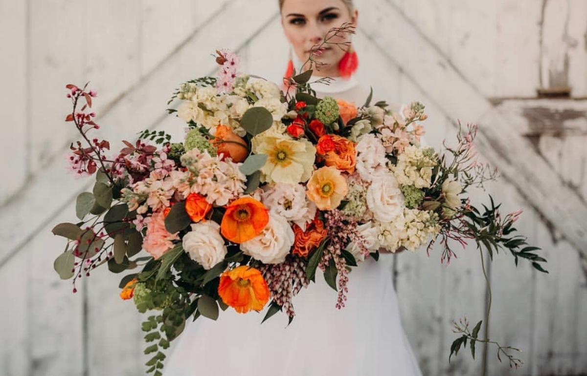 Florals by Colibri Blooms, Photo by CarleyJayne Photography