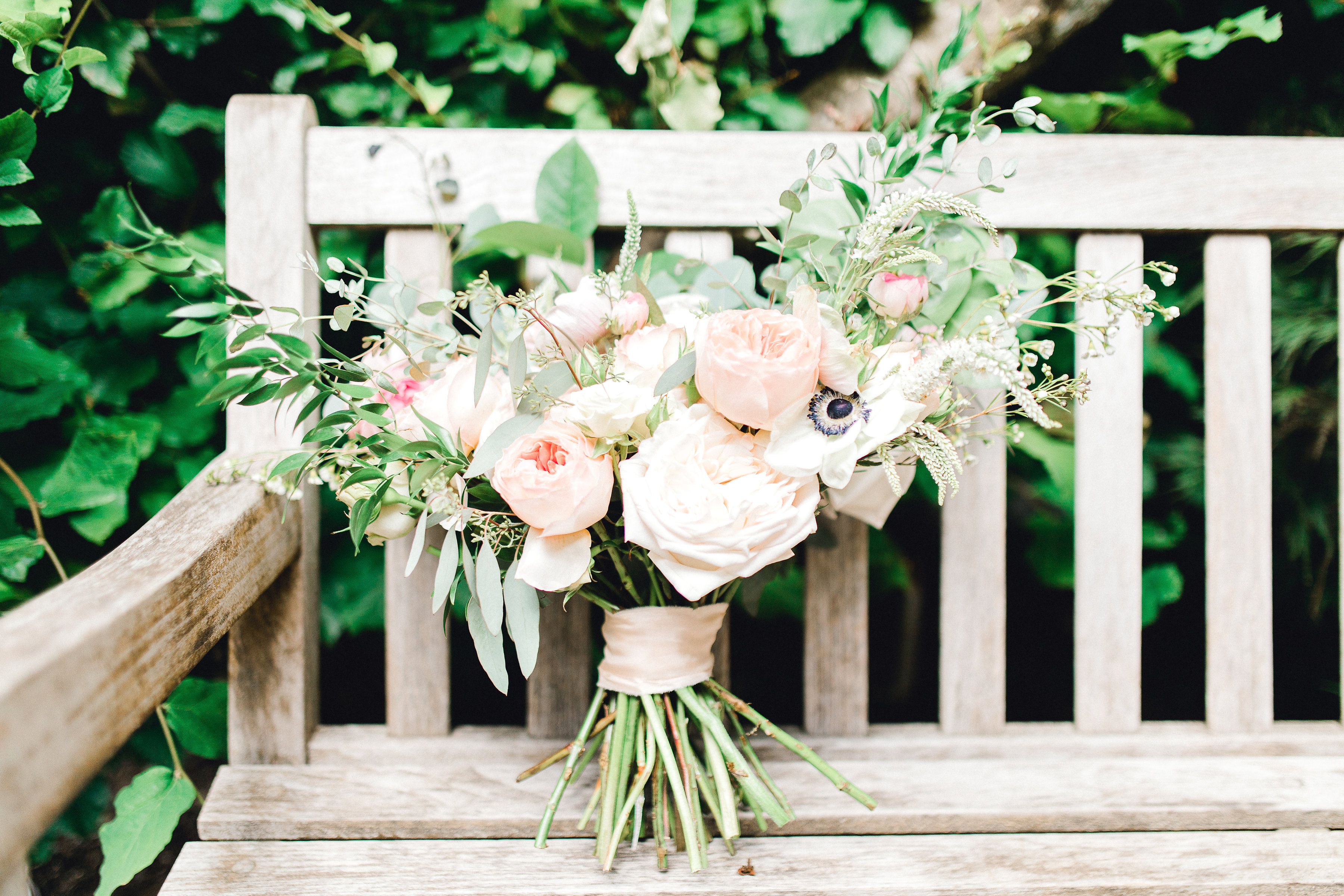 Seattle wedding, Washington wedding, bride and groom, PNW wedding, wedding inspiration, wedding flowers, Seattle bride, wedding bouquet