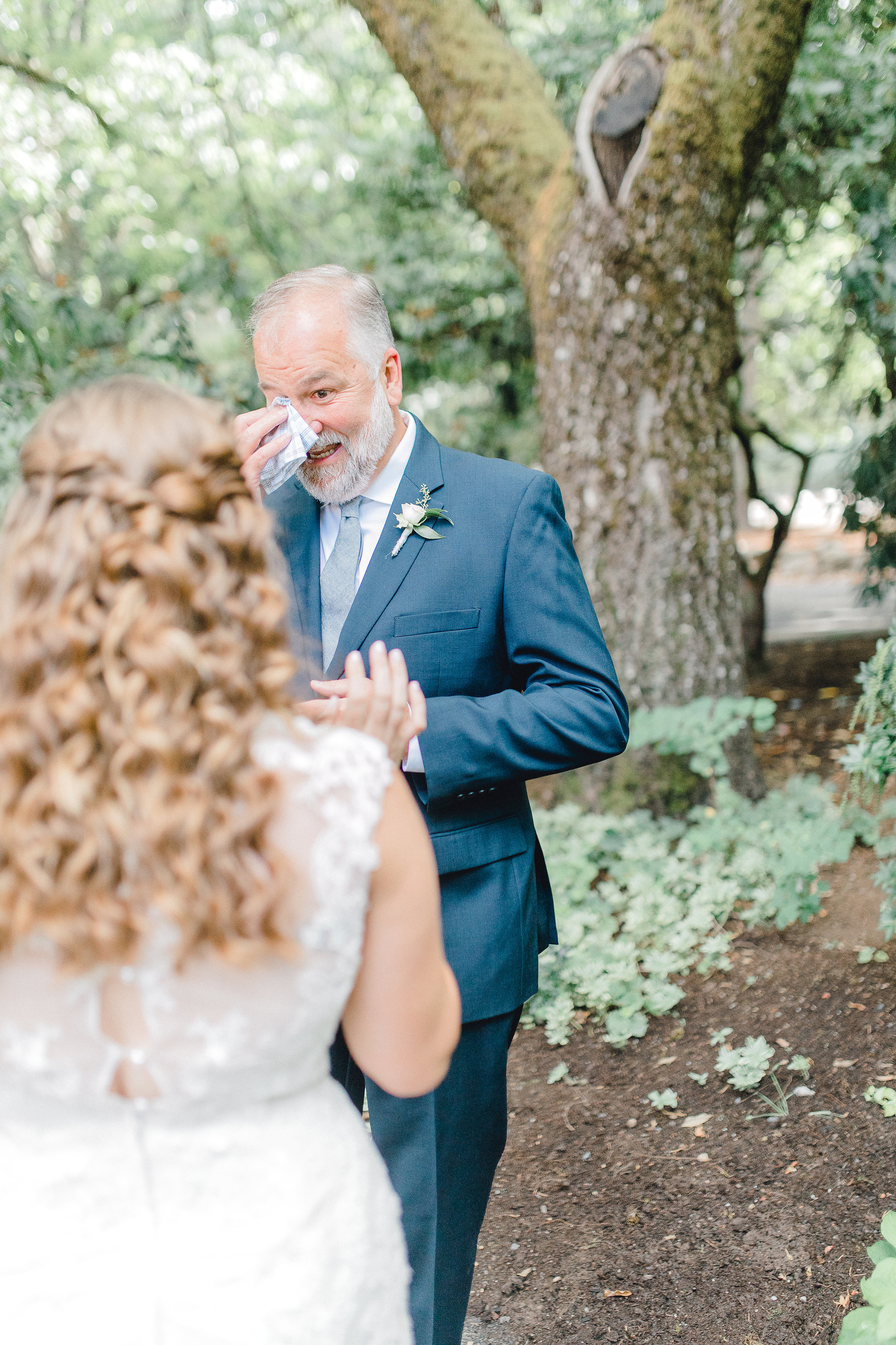 Seattle wedding, Washington wedding, bride and groom, PNW wedding, wedding inspiration, Seattle bride, first look, father daughter first look, dad first look
