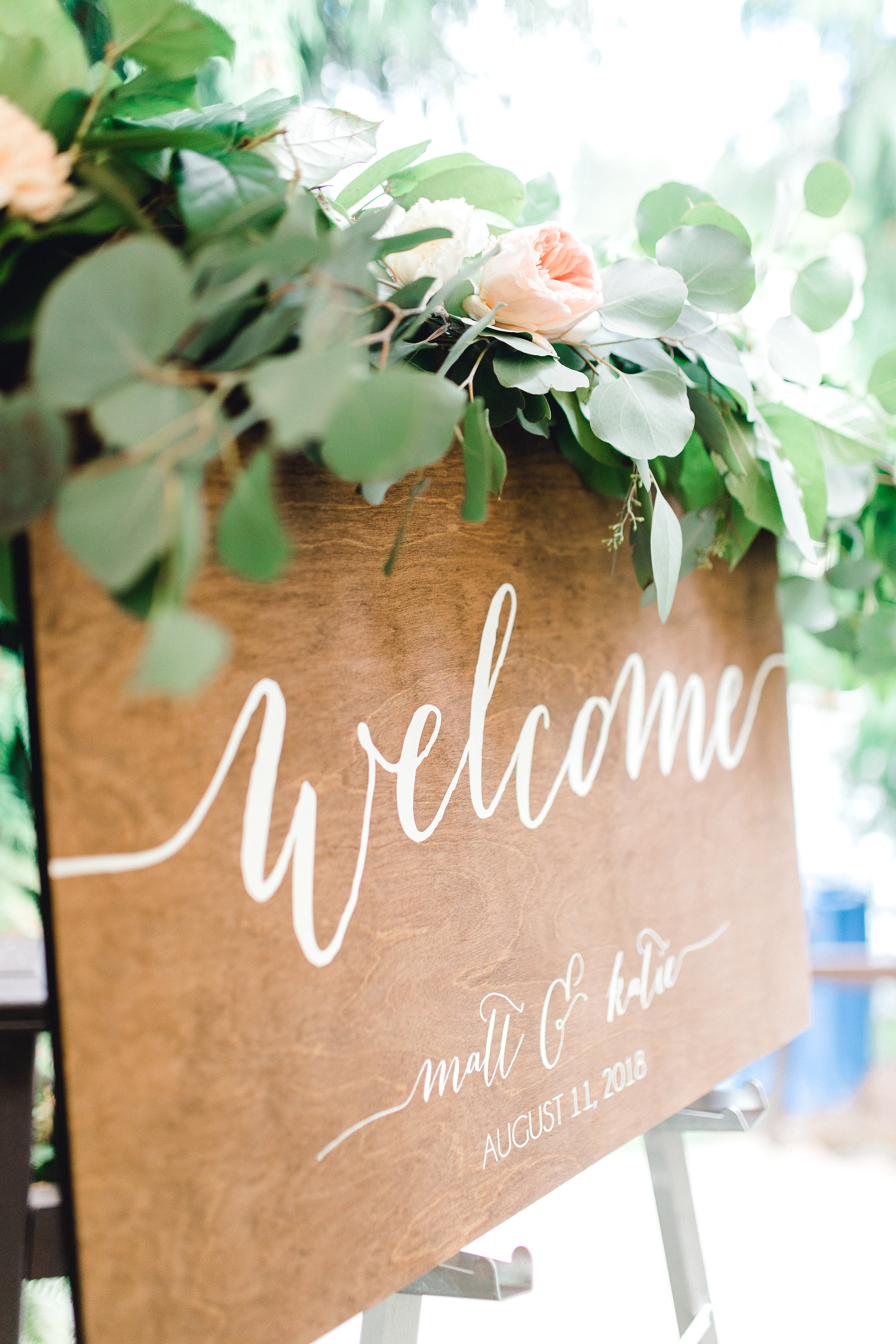 Seattle wedding, Washington wedding, bride and groom, PNW wedding, wedding inspiration, wedding flowers, Seattle bride, wedding sign, wedding decorations
