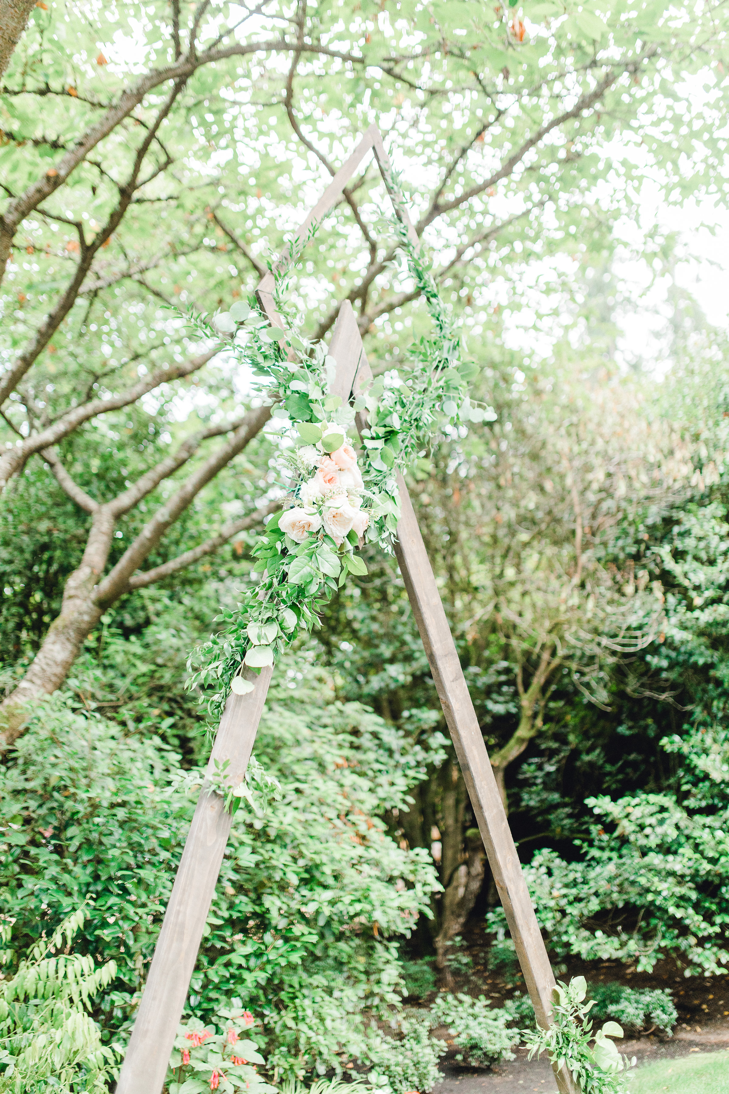 Seattle wedding, Washington wedding, bride and groom, PNW wedding, wedding inspiration, wedding flowers, Seattle bride, outdoor wedding, garden wedding, triangle arch, flower arch, Bixby + Pine