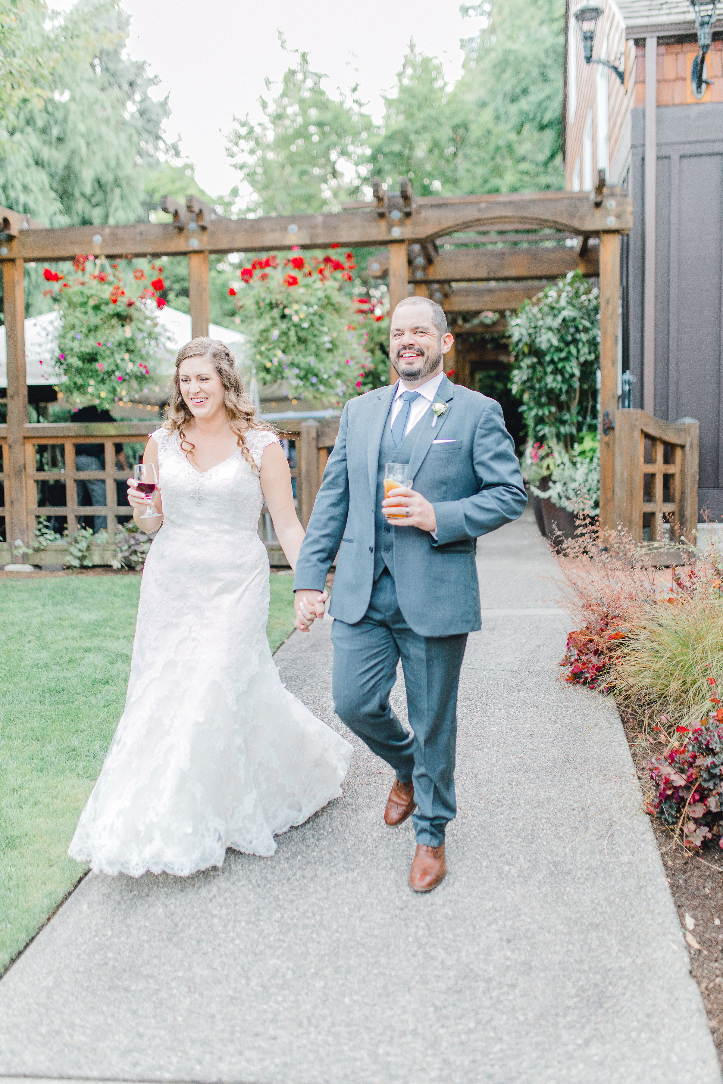 Seattle wedding, Washington wedding, bride and groom, PNW wedding, wedding inspiration, wedding flowers, Seattle bride, outdoor wedding, garden wedding, wedding wine, bride and groom wine