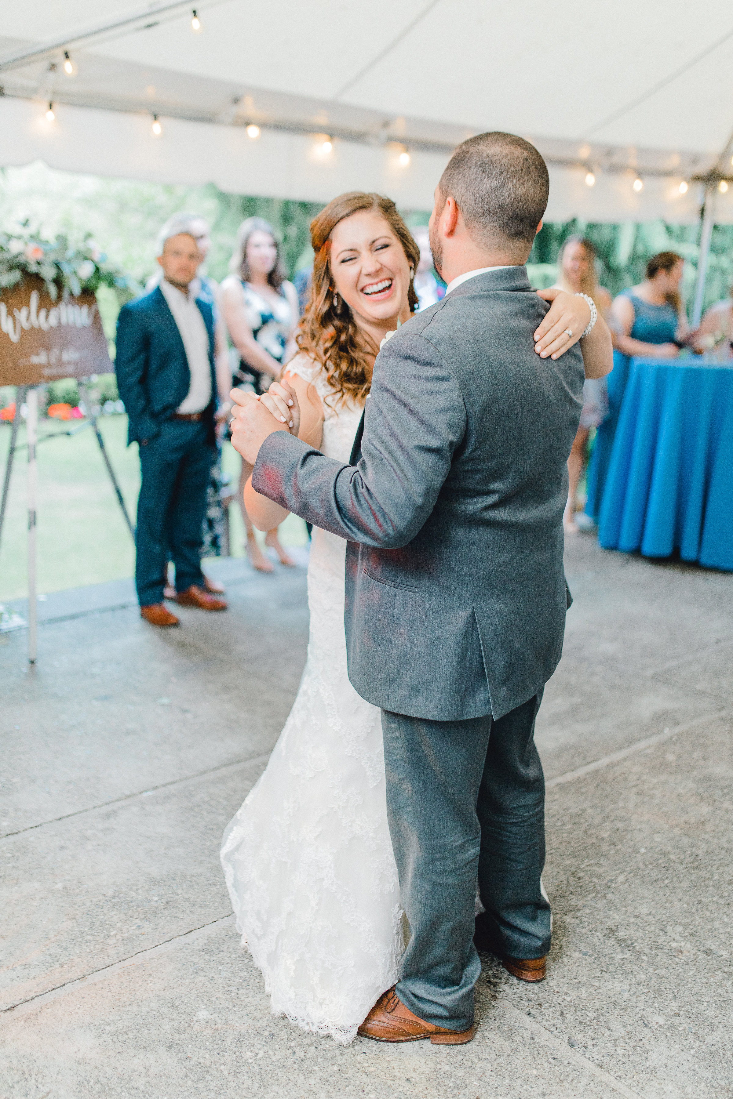 Seattle wedding, Washington wedding, bride and groom, PNW wedding, wedding inspiration, wedding flowers, Seattle bride, outdoor wedding, garden wedding, wedding reception, first dance, wedding dance