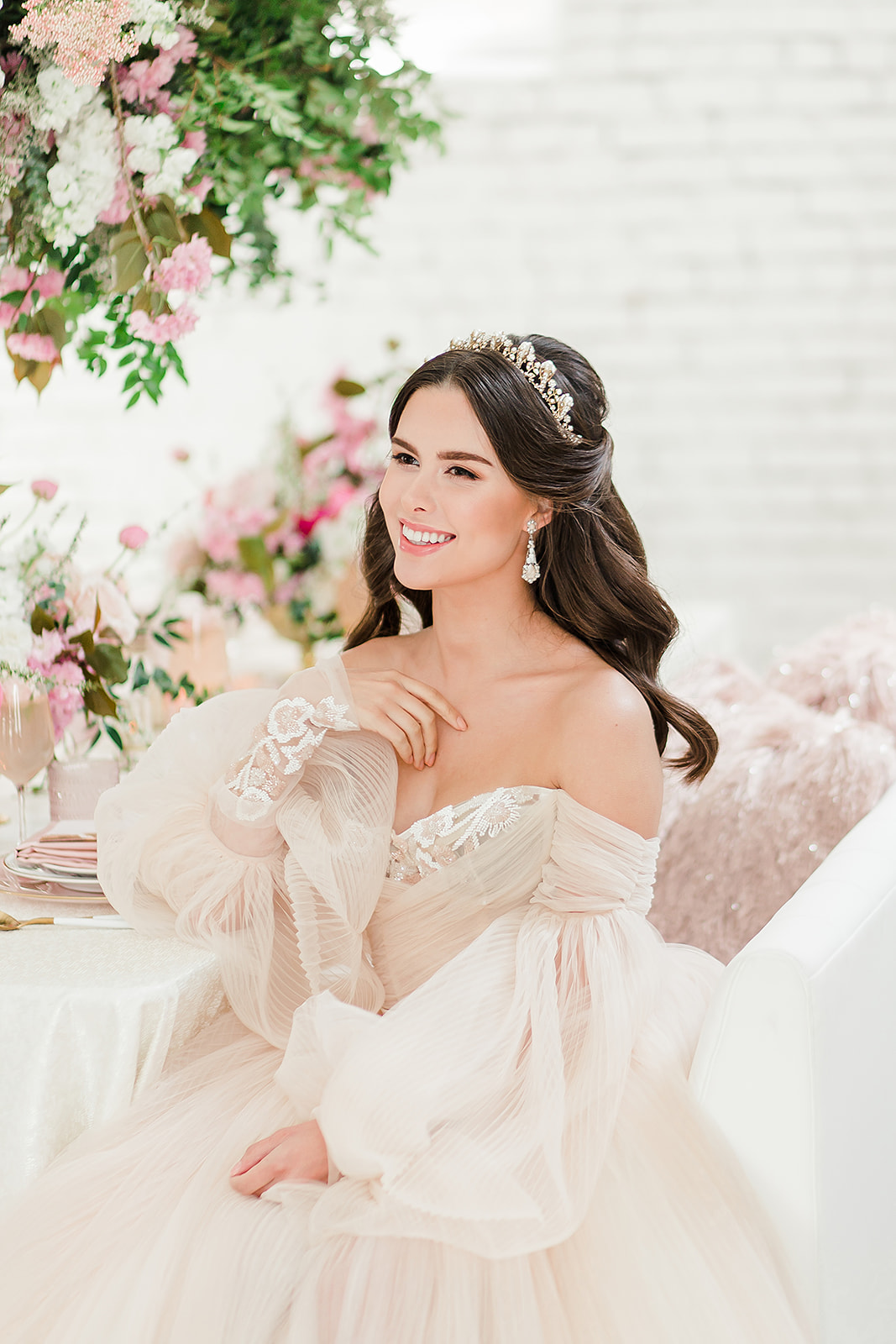 seattle bride, seattle bride magazine, styled shoot, bridal style, wedding gown, wedding inspiration, styled shoot wedding