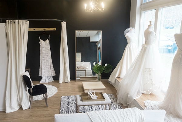 Located In The Heart Of Seattle Calla Bridal Carries Classic And Contemporary Gowns Accessories A Small Boutique Committed To Warm Welcoming